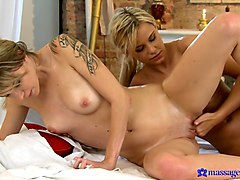 Angel & Lola in Lola On Angel - MassageRooms
