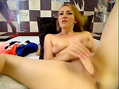 Russian babe drinks her creamy cum