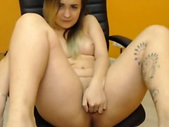 18yo college girl cums on cam