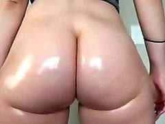 White Bubble butt Flexing and Bouncing