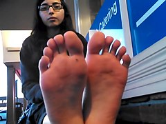 Desi college girl shows her feet in public